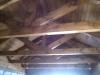 Открытая стропильная система в гараже.