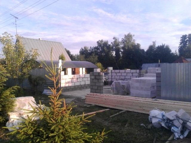 Кладка стен гаража из пеноблоков (газобетонных блоков)
