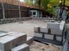 Кладка бетонных блоков цокольной части