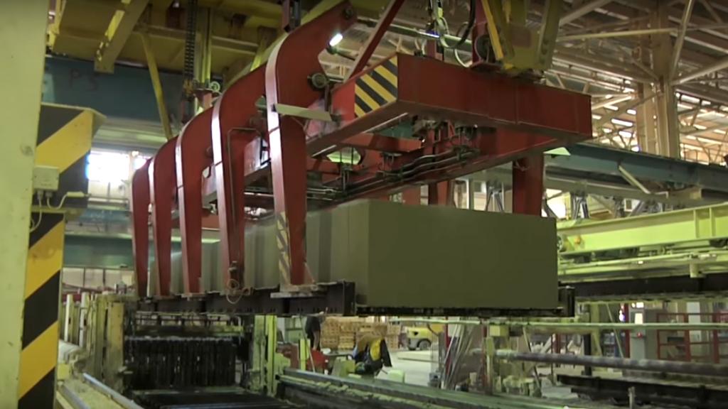 подъемное оборудование на заводе газобетонных блоков