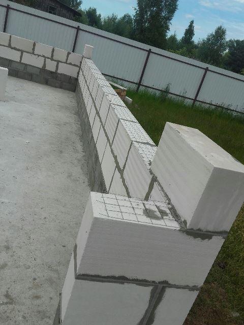 Гараж из газобетонных блоков (газобетона), армированная кладка