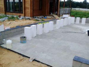 Монтаж ленточного фундамента из сборных железобетонных блоков в Балашихе