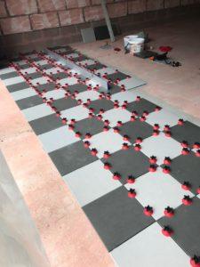 Полы из керамической плитки в гараже